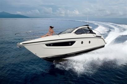 Compact-Yet-Spacious-Atlantis-34-Yacht-2