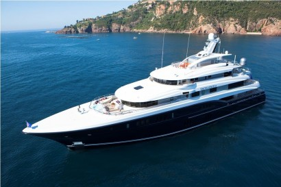 Excellence-V-yacht-2