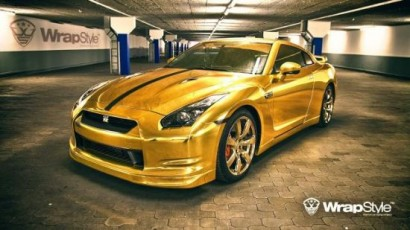 nissan_gt_r_gold_by_wrapstyle_comes_fitted_with_gold_vinyl_wrap_and_wheels_finished_in_gold_paint_lfbcx