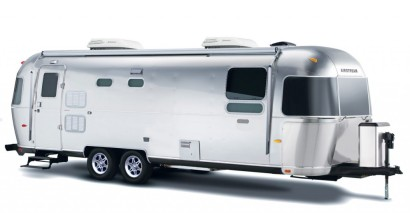 Luxurious-Land-Yacht-by-Airstream-Heads-to-Production-1-1024x534